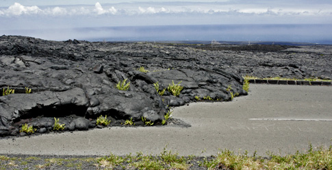 Volcano National Park, Lava Rock covers road