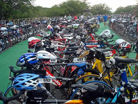 Hawaii Ironman 70.3 triathlon, Bike racks in T1